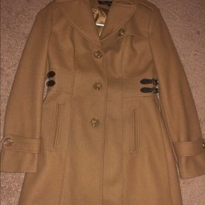 Woman's Kenneth Cole trench coat